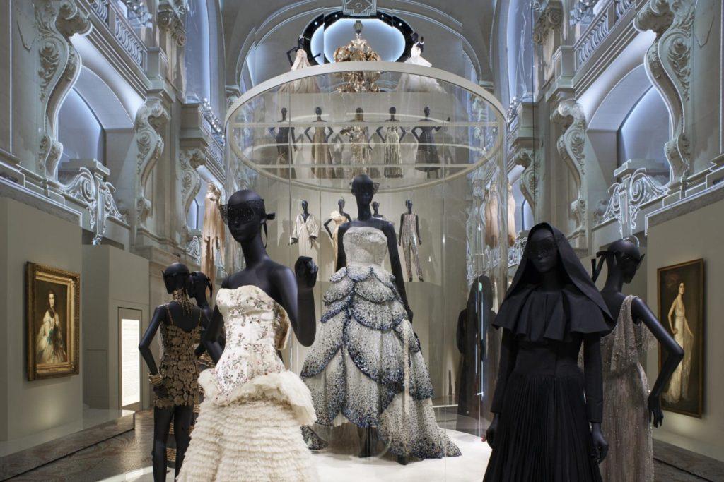 Франция, Париж - всемирная столица моды.