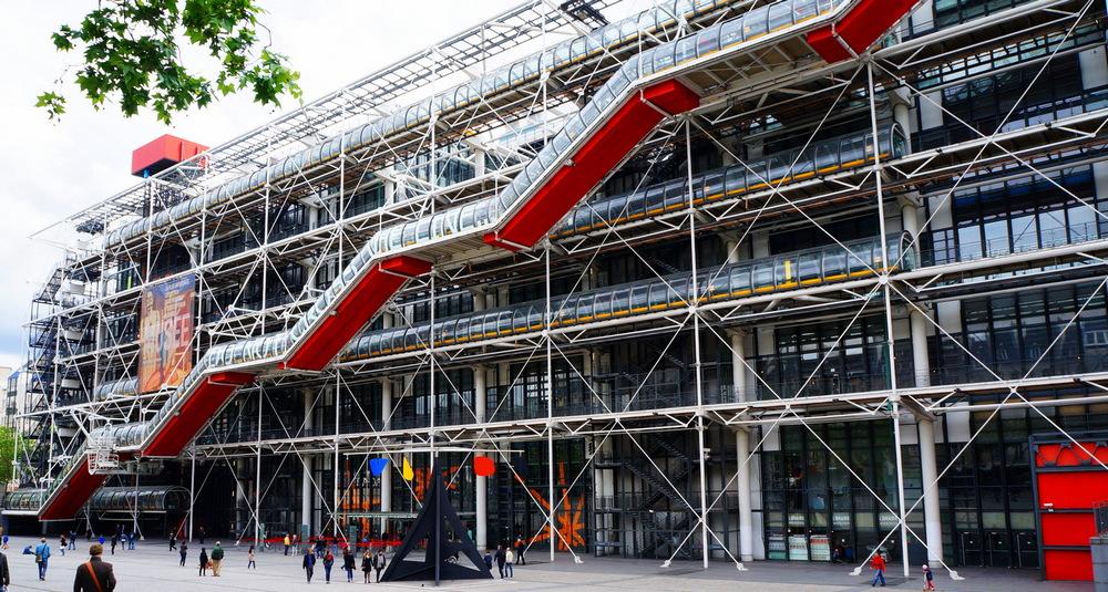 Центр Жоржа Помпиду - главные достопримечательности Парижа.