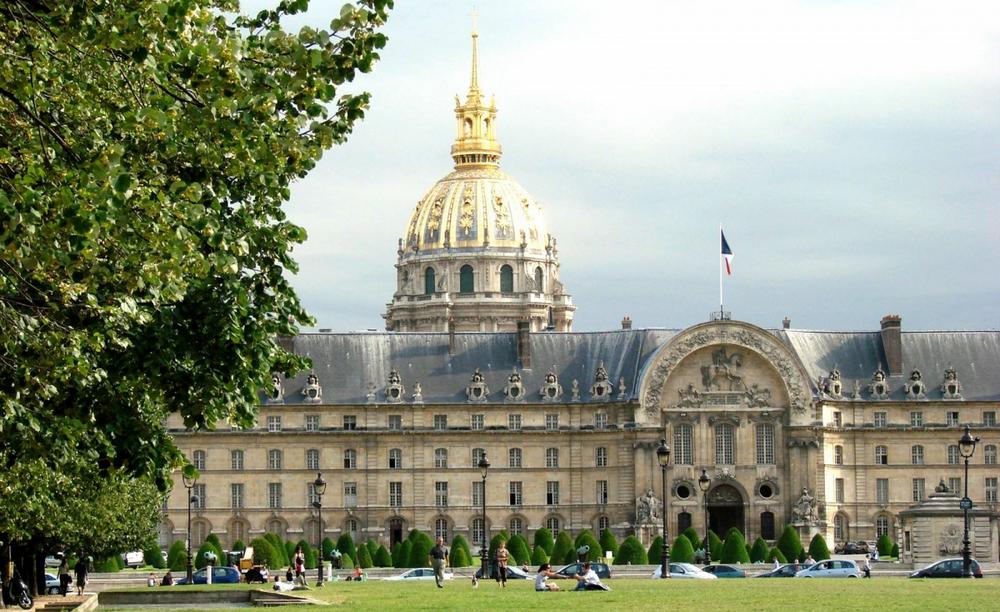 Дом инвалидов - главные достопримечательности Парижа.