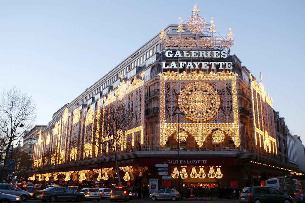 Галерея Лафайет - главные достопримечательности Парижа.