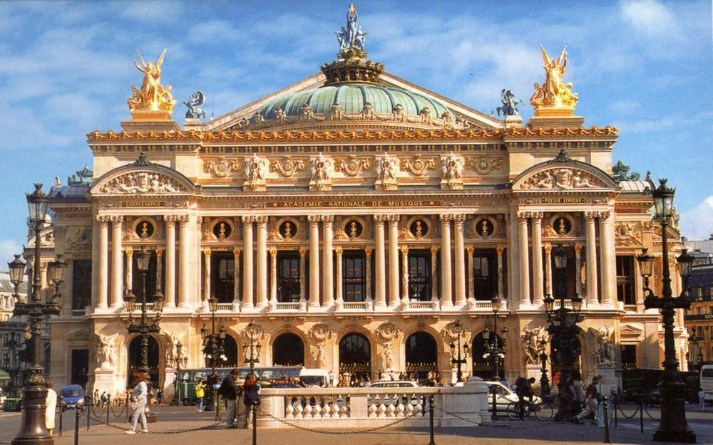 Опера Гарнье (или Гранд-опера) - главные достопримечательности Парижа.