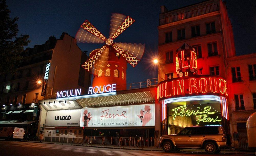 Мулен Руж - главные достопримечательности Парижа.