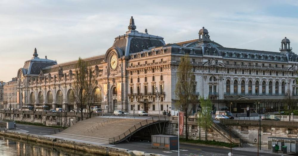 Музей Орсэ - главные достопримечательности Парижа.