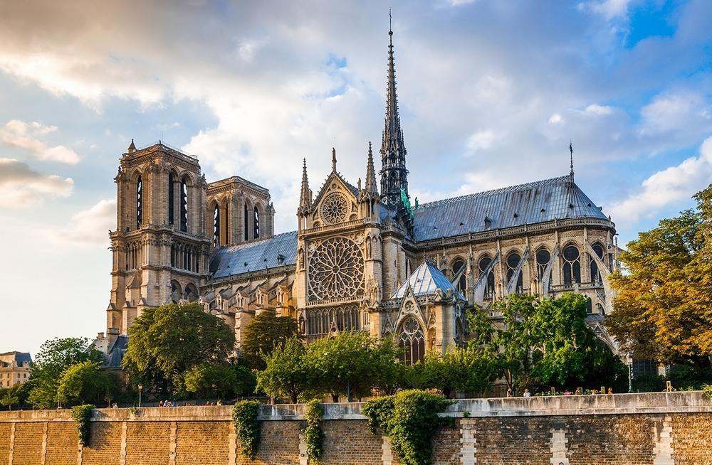 Нотр-Дам де Пари (Собор Парижской Богоматери) - главные достопримечательности Парижа.
