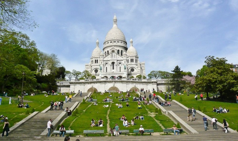 Базилика Сакре-Кер - главные достопримечательности Парижа.