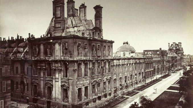 Сожженный дворец Тюильри.