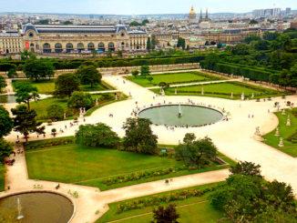 Сад Тюильри - творение великого Ле Нотра.