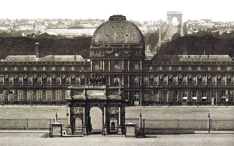 Триумфальная арка Каррузель служила обрамлением парадного входа во дворец Тюильри.
