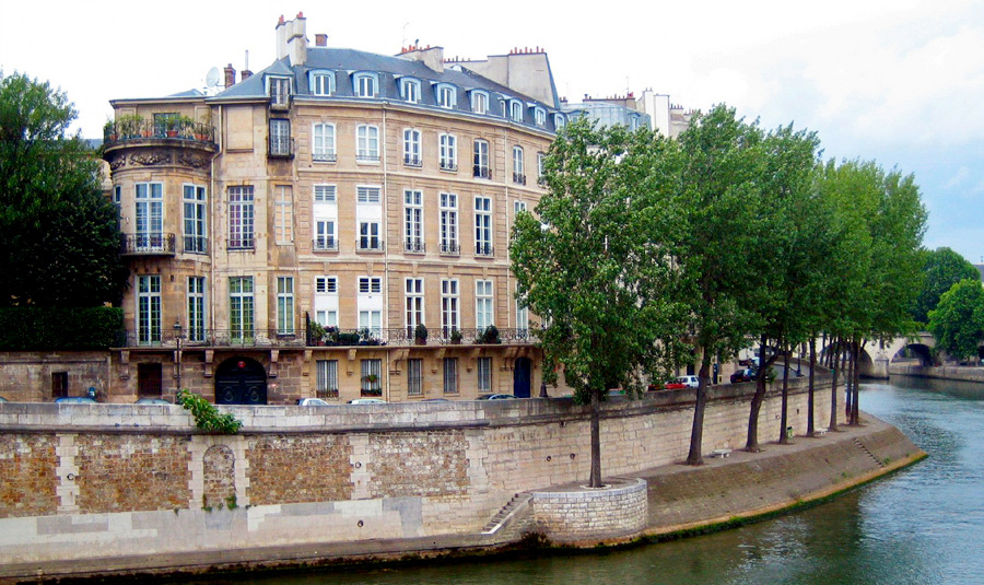 """Отель """"Ламбер"""" на острове Сен-Луи в Париже"""